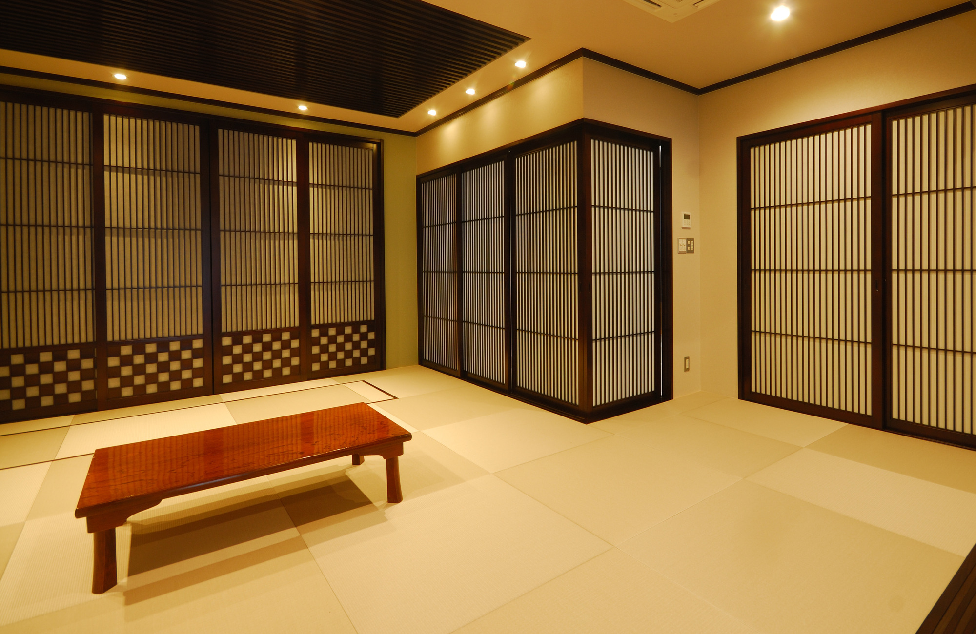 内観-休憩室1