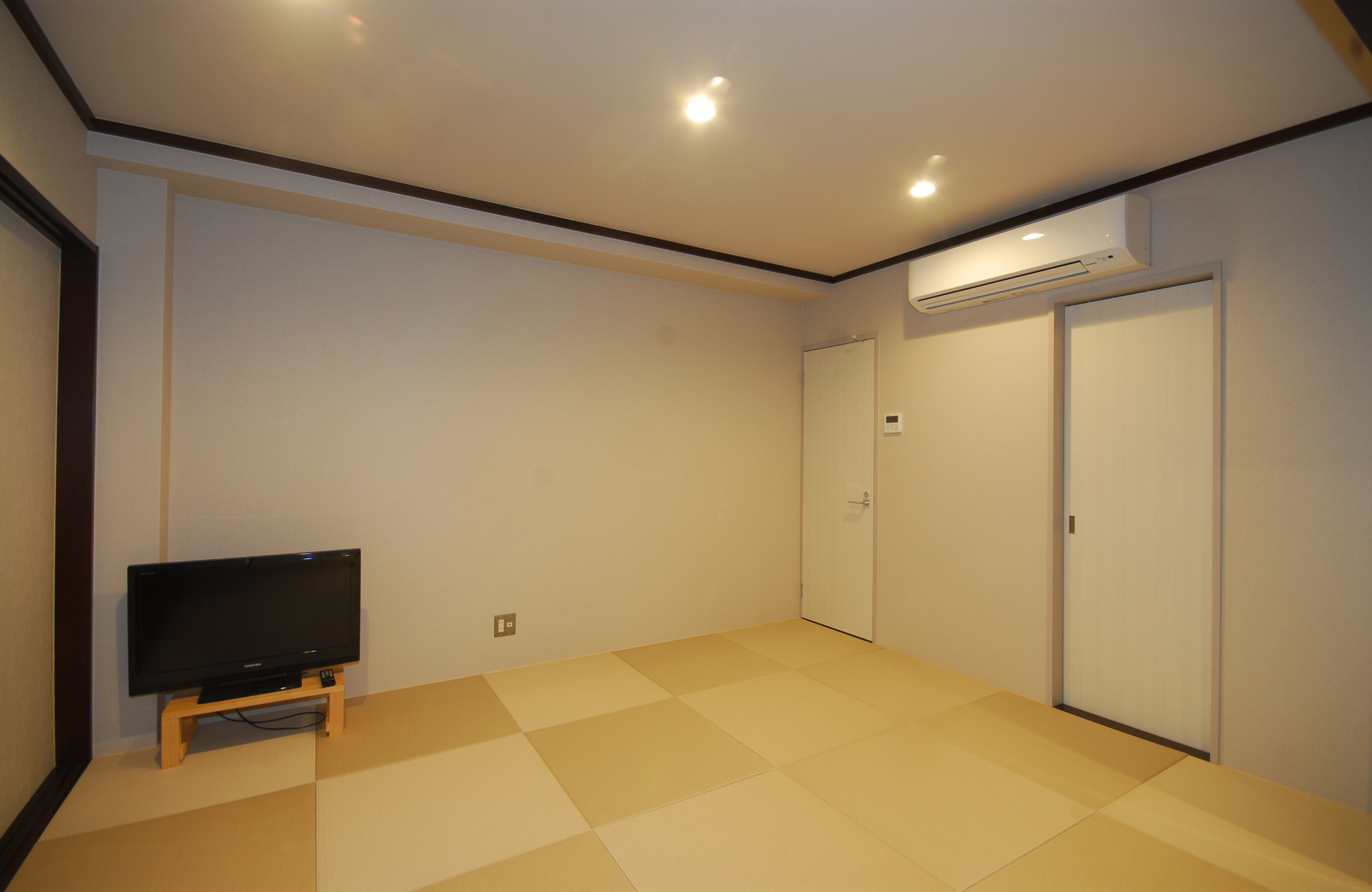 内観-休憩室4